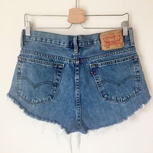 Vintage Levi Denim Jean Cut Off Shorts Size 32-34
